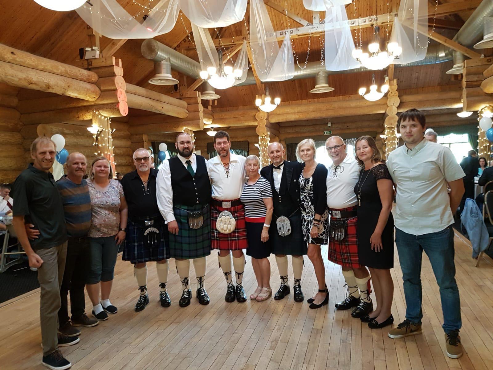 Kaare noolemängu võistlejad käisid rahvusvahelistel kurtide noolevõistlustel Šotimaal